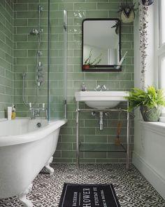 32 Ideas bathroom ideas victorian bath for 2019 Edwardian Bathroom, Victorian Style Bathroom, Victorian Toilet, Vintage Bathrooms, Victorian Terrace Interior, Small Bathroom Inspiration, Bathroom Ideas, Bathroom Layout, Upstairs Bathrooms