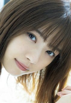Shin Se Kyung, Japan Girl, Pose Reference, Pretty Girls, Bangs, Celebrity, Actresses, Poses, Womens Fashion