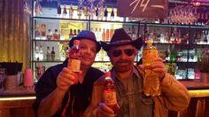 Chuck Norris siłę swoich kopnięć z półobrotu uzyskuje dzięki piciu oranżady PRL.