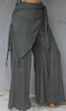 My favorite style boho. Trousers with patterns. Gypsy Style, Bohemian Style, Boho Chic, My Style, Rustic Style, Boho Outfits, Cute Outfits, Mode Hippie, Estilo Hippie