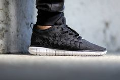 Nike Free OG 14 Woven–Black-Black-Cool Grey-White-1