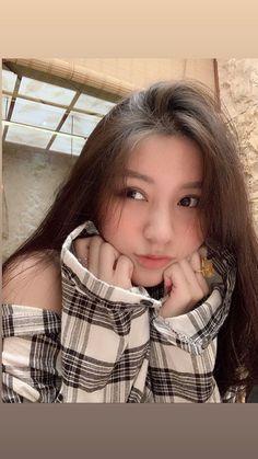Beautiful Girl like Fashition Mode Ulzzang, Ulzzang Korean Girl, Cute Korean Girl, Asian Girl, Cute Girl Pic, Cute Girls, Ullzang Girls, Light Makeup Looks, Girls Selfies