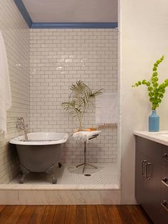 A century Brooklyn tenement turned brownstone Tub Shower Combo, Shower Tub, Bath Tub, Large Shower, Clawfoot Tubs, Primitive Bathrooms, Country Bathrooms, Tiny Bathrooms, Cast Iron Tub