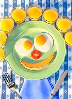 Keep your sunny side up! - from Avanti /Seriously Funny Cards (Card No.This cracks me up! A Food, Good Food, Funny Animal Photos, Funny Pics, Funny Stuff, Funny Encouragement, Cooking Quotes, Edible Creations, Good Morning Sunshine