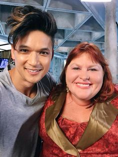 Shadowhunters Cassandra Clare with Magnus Bane