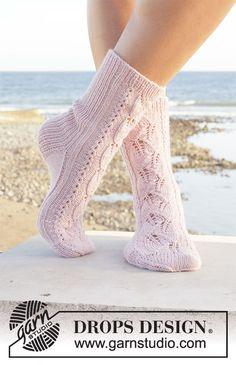 Free knitting patterns and crochet patterns by DROPS Design Knitting Designs, Knitting Patterns Free, Free Knitting, Crochet Patterns, Drops Design, Drops Kid Silk, Drops Baby, Paris Model, Magazine Drops