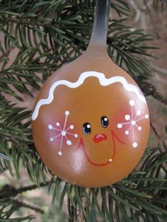 Gingerbread Boy Hand Painted Spoon Ornament (use Bulbs) Gingerbread Ornaments, Painted Christmas Ornaments, Hand Painted Ornaments, Christmas Gingerbread, Christmas Art, Christmas Projects, Handmade Christmas, Christmas Decorations, Gingerbread Man Crafts