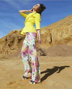 Colaboración Pantalón flores acampanado diseño de modas shooting