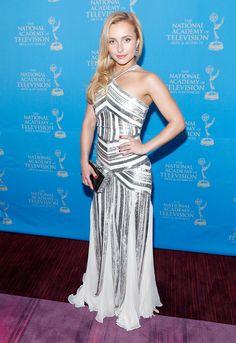 Hayden Panettiere floor length dress got nothing on her!