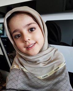 So Cute Baby, Cute Little Baby Girl, Cute Baby Girl Pictures, Beautiful Little Girls, Beautiful Children, Cute Girls, Baby Hijab, Cute Babies Photography, Cute Baby Wallpaper