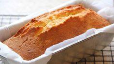 Préparation : Faites chauffer le four à 180°C ou Th.6. Dans un saladier, mélangez le beurre ramolli et le sucre, ajoutez les jaunes d'oeufs. Mélangez. Ajoutez la farine et la levure tamisées dans le saladier et mélangez Battez les blancs en neige avec une pincée de sel. Ajoutez