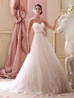 full a-line wedding dress with sweetheart neckline