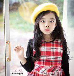 Kim Gyuri (คิมกยูริ) Cute Asian Babies, Korean Babies, Asian Kids, Korean Girl, Cute Babies, Little Girl Photos, Cute Little Girls, Cute Kids, Young Japanese Girls