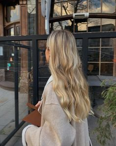 Dyed Blonde Hair, Honey Blonde Hair, Blonde Hair Looks, Blonde Long Hair, Perfect Blonde Hair, Blonde Hair Shades, Blonde Hair Inspiration, Hair Inspo, Gorgeous Hair