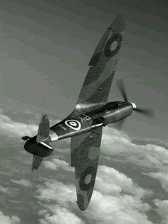 Spitfire No. Ww2 Aircraft, Fighter Aircraft, Military Aircraft, Fighter Jets, Spitfire Supermarine, Ww2 Spitfire, The Spitfires, Ww2 Planes, Battle Of Britain