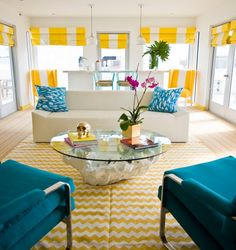 chevron stripes. this is literally my dream room. hopefully my dorm room looks like a smaller version of it?