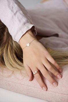 Armband in Rosegold mit Herz / rosegold bracelet by Lebenslustiger via DaWanda.c… - Schmuck Cute Jewelry, Simple Jewelry, Gold Jewelry, Jewelry Accessories, Fashion Accessories, Jewelry Design, Women Jewelry, Fashion Jewelry, Jewellery