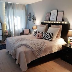 New room decor for teen girls pretty bedroom ideas 24 ideas Gold Bedroom, Rose Gold Bedroom, Bedroom Inspirations, Small Room Bedroom, Room Decor Bedroom, Small Bedroom, Woman Bedroom, Bedroom Decor, New Room