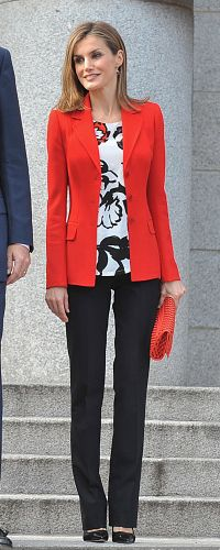 24 Nov 2014 - Higher Council for Scientific Research.  Queen Letizia opted for a chic professional look, debuting a Mango red blazer and floral print blouse also by the same label.