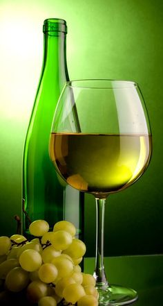 Green wine & grapes