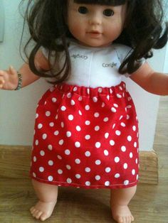 Les beaux jours arrivent, les poupées Corolle ont envie de découvrir leurs gambettes! Suite à vos nombreuses visites pour les tutos... Diy Jupe, Summer Skirts, Summer Dresses, Coin Couture, Kids Patterns, Sewing For Beginners, American Girl, Doll Clothes, Dolls