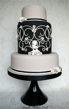 Gorgeous cake, vintage bridal shower