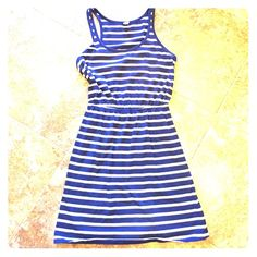 Old navy blue and white dress Adorable summer dress. Elastic waist, stretch Old Navy Dresses