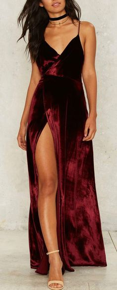 Velvet is the most hottest fabric which you must have. It features spaghetti strap, backless design, high slit front. Never hesitate to show off your youth and fashion.