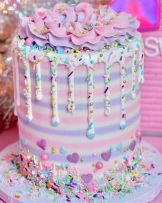 Heart Birthday Cake, Candy Birthday Cakes, Crazy Cakes, Fancy Cakes, Pretty Cakes, Cute Cakes, Bolo Sofia, Amazing Cakes, Beautiful Cakes