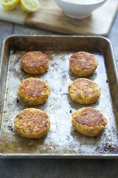 Crispy Baked Lemon Chickpea Cakes - Cooking for Keeps Oven Roasted Chickpeas, Cooking Garbanzo Beans, Chickpea Cakes, Chickpea Fritters, Chickpea Patties, Vegetarian Recipes, Cooking Recipes, Healthy Recipes, Appetizers