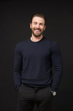 Here's Why Chris Evans Will Always Be The Perfect Captain America For Us Capitan America Chris Evans, Chris Evans Captain America, Capt America, Robert Evans, Steve Rogers, Chris Hemsworth, Christopher Evans, Actrices Hollywood, Marvel Actors