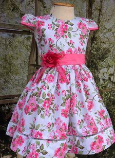 Vestido Infantil Floral Branco e Pink 3