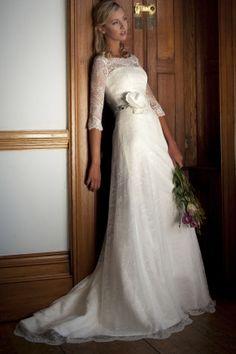 Uzun kollu dantelli gelinlik modeli , Augusta Jones
