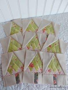 A Quilting Life - a quilt blog: Mini Christmas Tree Quilt Blocks