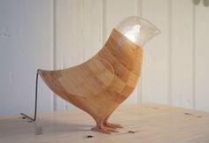 Abajur de madeira