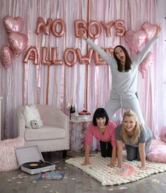 adult sleepover Galentines Day Pajama Party, How to Host the Perfect Adult PJ Party Bachelorette Slumber Parties, Adult Slumber Party, Slumber Party Birthday, Sleepover Birthday Parties, Girl Sleepover, Carnival Birthday, Slumber Party Ideas, Slumber Party Decorations, Girl Birthday