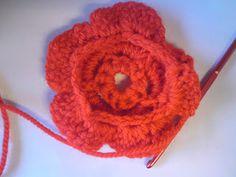 Silles hantverk: Virkad blomma Rhinestone Art, 5d Diamond Painting, Diamond Art, Floral Fabric, Beautiful Crochet, Diy Kits, Crochet Earrings, Mosaic, Coral