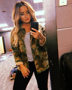 Demi Lovato Casual Camouflage Jacket #ShopStyle #shopthelook #SpringStyle #SummerStyle #demilovato