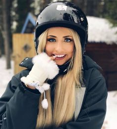 From twitter Saffron Barker, Ski Bunnies, Most Beautiful, Beautiful Women, Celebs, Celebrities, My Idol, Youtubers, Riding Helmets
