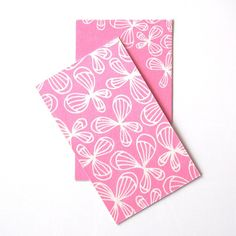 And the last one on the butterfly series. Having three different kind of business cards  She said she couldn't pick one, so made all three of them!  #businesscard #businesscards #businesscarddesign #pink #pinkandwhite #simple #pattern #patterns #patterndesign #design #designer #graphicdesign #butterfly #butterflys #cute #instadaily #instagood #papier #paper #swag #hip #pop #illustration #drawing #doodle #handdrawn #happy #girly #lovely #sweet