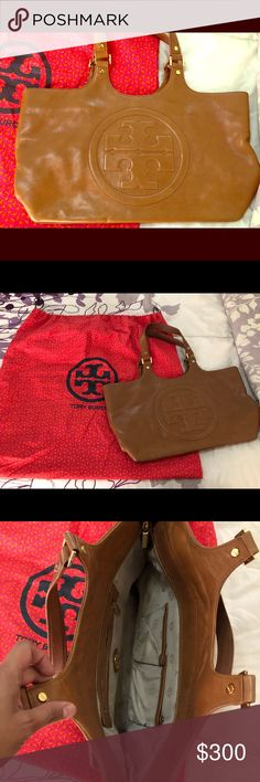 20a6bee41d4 Tory Burch Bombe tote Loved this purse but now I'm ready to let go. In very  good condition Tory Burch Bags Totes