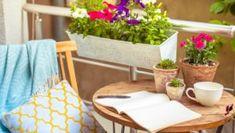 Έξυπνο Τρικ που θα Γεμίσει τη Βεράντα σας με Τριαντάφυλλαspirossoulis.com – the home issue Balustrades, Outdoor Furniture Sets, Outdoor Decor, Plein Air, Home Decor, Gardening, Tips, Side Wall, Folding Furniture