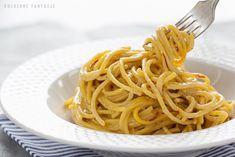 Złote spaghetti z sosem szafranowym Spaghetti, Ethnic Recipes, Food, Essen, Meals, Yemek, Noodle, Eten
