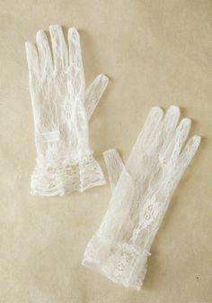 Lady Lucas Lace Gloves | Modern Vintage Gloves | Modern Vintage Accessories | Modern Vintage Bridal