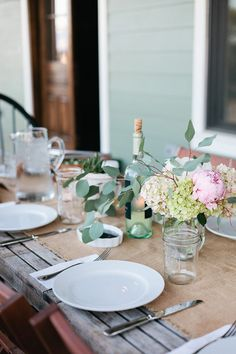 Photography : Jana Carson | Styling : Lindsay Gibson  Read More on SMP: http://www.stylemepretty.com/living/2014/11/03/eclectic-farmhouse-tour/