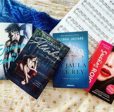 """Lectora Entusiasta on Instagram: """"Buenas lector@s!! . . Ya se nos acaba el fin de semana... y por eso en esta foto os quería traer los libros que ahora mismo tengo…"""" Wattpad, Instagram, Good Readers, The Weeknd, Te Quiero, Libros, Pictures"""
