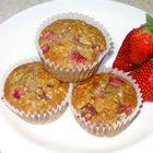 Strawberry oatmeal muffins...sub the oil for greek yogurt!