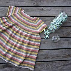 PETITE BLANDEDE BOLSJER  Kjolen er nu færdig og opskriften er lige på trapperne. Kommer i str. 0-24 mdr.  #newknit #knitteddress #knitforkids #bonbons #weloveknitting #knittingforbaby #instaknit #strikketkjole #babykjole #stribetkjole #bolsjer #silkestriber #strikkeopskrift på vej ☺ #petitesomething