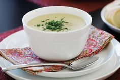 Recipe Potato and Leek Soup by Chook Chook, learn to make this recipe easily in your kitchen machine and discover other Thermomix recipes in Soups. Potato And Leak Soup, Potato Leek Soup, Gourmet Recipes, Cooking Recipes, Healthy Recipes, Cooking Food, Cooking Ideas, Delicious Recipes, Easy Recipes