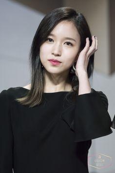 Mina | Myoui Mina [名井 南]